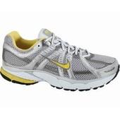 Nike оригинальные кроссовки 38. 5