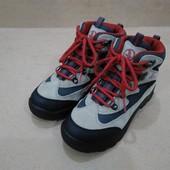 Демисезонные ботинки McKinley для девочки треккинговые