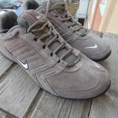 Фирменние кровки оригинал Nike air кожа замш .43 .