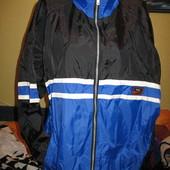 Ветровка мужская с капюшоном,р.52-54.Состояние отличное.Nike (Найк).