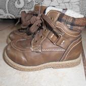Утепленные ботиночки в хорошем состоянии, стелька - 13,5см.