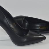 Туфли-лодочки на шпильке, black