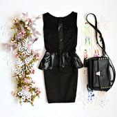 Женское платье черное с баской