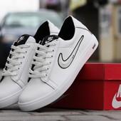 Кеди Nike    білі