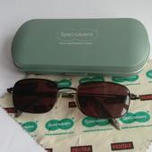Очки для зрения и футляр Specsavers из Германии