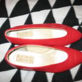 Туфли кожаные,р.40(стелька-25см).Нюанс.Claudia.