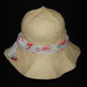 Соломенная шляпка на объём 52-54см.Мега выбор обуви и одежды!