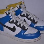 Кроссовки высокие Nike р.34 по стельке 22 см.