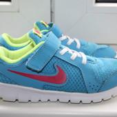 Легкие кроссовки на девочку Nike 29,5 размер