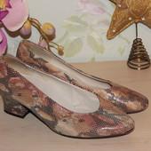 38 24,5см salamander кожаные туфли под кожу рептилии на каблучке