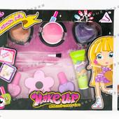 Игрушечная детская косметика, лак  блеск для губ, пудра кисточки, блеск для тела, пилочка для ногтей