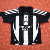 Спортивная футболка Adidas оригинал на 8 лет, б/у. Хорошее состояние, без пятен. Длина 47 см, ПО гру