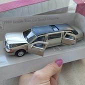 Машинка  лимузин Kinsmart металическая в коробке, машина, транспорт