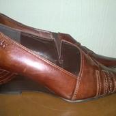 Шикарные дорогие с затёртой кожи туфли Caprice,р.5\36-37\ст.25см,но за счёт носка на 24см.