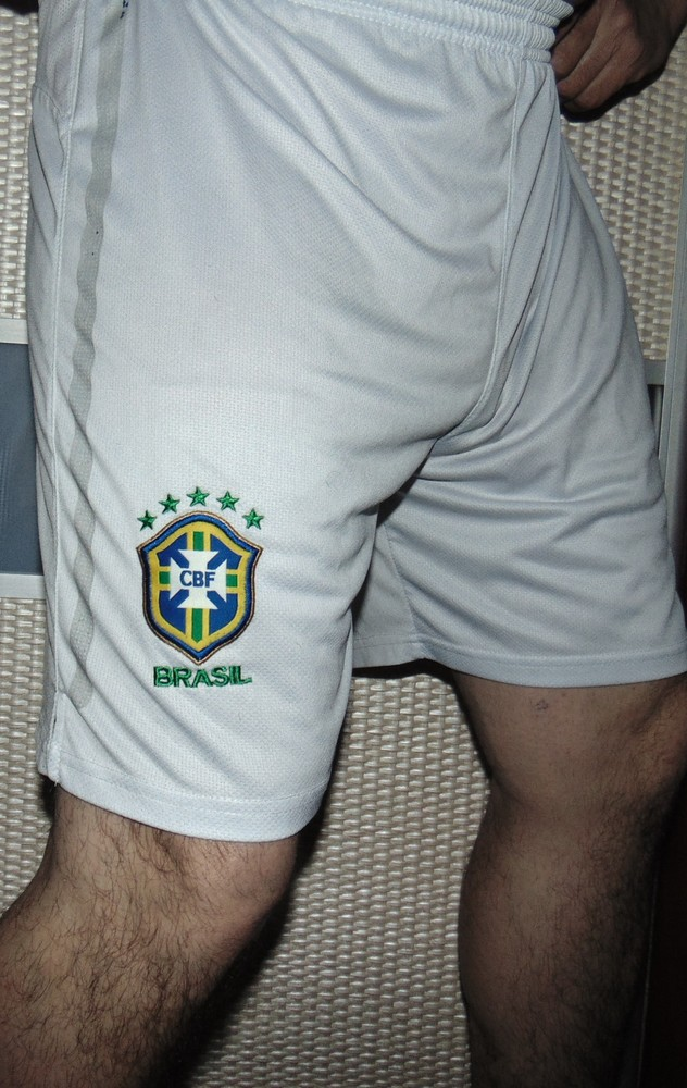 Спортивние фирменние футбольние шорты шорти труси зб .Бразилии .л-лх фото №1