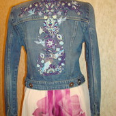 Джинсовая куртка\пиджак укороченная  с вышивкой р.8-10 Miss Selfridge