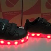 Р. 25 Кроссовки Bona, LED 15 цветовых режимов, usb зарядка