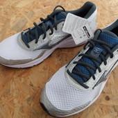 Кроссовки Mizuno(оригинал)размер 42,5 длина стельки-28 см