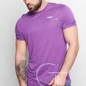 Яркая мужская футболка выполнена из легкой «дышащей» ткани.