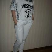 спортивный костюм белый супер модный moscino