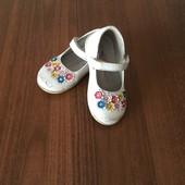 Туфли с цветочками 24 р.