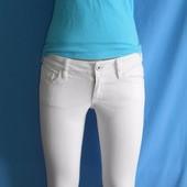 Шикарные белые тонкие джинсы,размер s