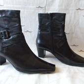 Женские кожаные деми сапоги Roberto Santi р.39 дл.ст 25,5 см новые