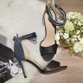 (41р./26,5см) H&M! Шикарные стильные босоножки