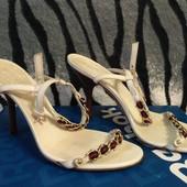 Босоножки Gucci 34-35 размер