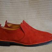 Эпатажные мягкие красные замшевые лоферы  Fred De la Bretoniere  40 р.