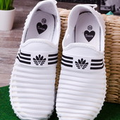 Удобные белые женские кроссовки без шнурков лето 2017