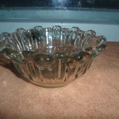 стеклянная вазочка для канфет
