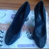 Шикарные кожаные туфли 37рр Minelli