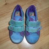 Кожаные кроссовки, стелька - 15см. нормальное состояние.
