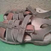 Босоножки сандалии на мальчика 26р.