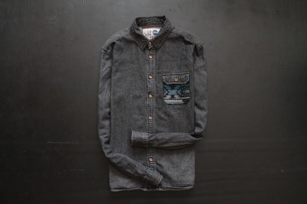 Джинсовая стильная мужская рубашка  с длинным рукавом фото №1