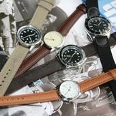 Военные часы настоящие с журналом,можно выпускникам в сад на подарок.