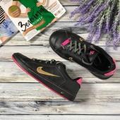Классные сникеры Nike в контрастных цветах с оригинальными шнурками  SH33030