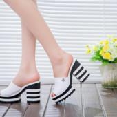 Шлепанцы женские черные на каблуке