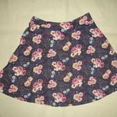 Фирменная юбка джинсового цвета в розочки на 11-13 лет