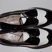 Кожаные фирменные стильные туфли-лоферы KMB 39 р - Новые