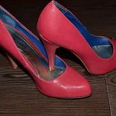 Туфли 39р очень красивые Wide Fit