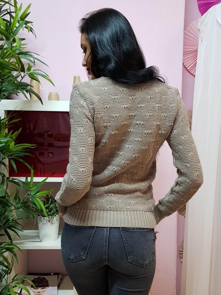 Комфортный свитер с объемным узором фото №3