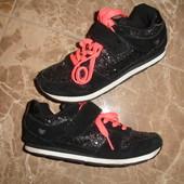 Фирменные Next гламурные кроссовки девочке на 31 размер идеал