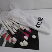Набор кистей Kylie Cosmetics Brush Set