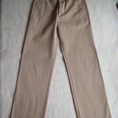 Джинсы брюки, длина 100 см, талия 76 см.