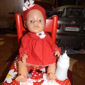 Кукла по типу беби борн в красивом наряде+бутылочка и платье.