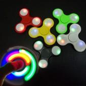 Спиннер, Spinner  игрушка для всех. LED светящиеся с кнопками несколько режимов свечения