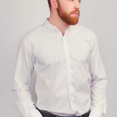 Однотонная рубашка классического покроя. Много цветов и размеров.