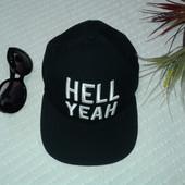 Бомбезная новая кепка  снэпбэк от Divided by H&M